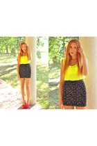 black H&M skirt - yellow unknown top - red OASAP heels