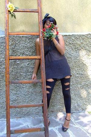 leggings - Giorgio Kauter blouse - tezenis bra - Marc by Marc Jacobs shoes