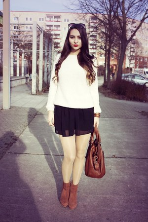 tawny H&M boots - cream new look sweater - tawny tchibo bag
