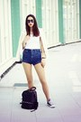 Navy-pull-bear-shorts-off-white-new-look-top