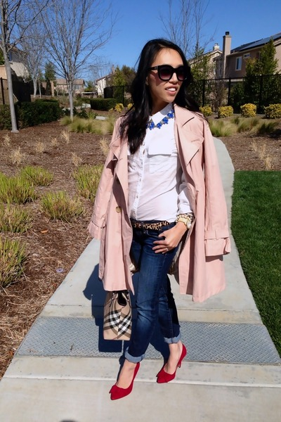 trench Gap coat - jeggings American Eagle jeans - medium tote Burberry bag