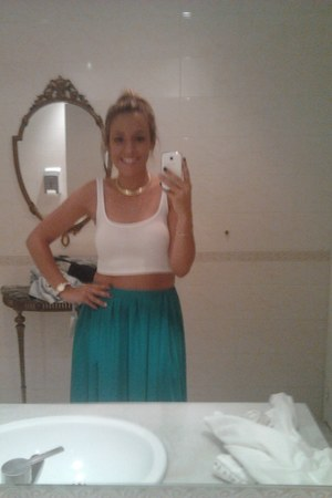 turquoise blue Zara skirt - white Stradivarius top - gold vintage accessories