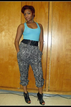 black harem pants Forever 21 pants - black zippered Shoedazzle boots
