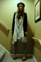 Fruit of the Loom DIY shirt - Gap sweater - Salvation Army jeans - Jessica Simps