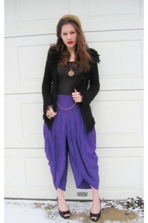 Salvation Army pants - sweater - Jessica Simpson shoes - Bedford Antiques hat -