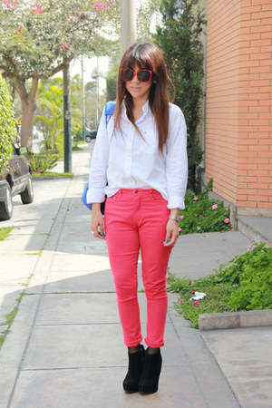 Platanitos shoes - Tommy Hilfiger shirt - pink bag - Elektra Spankk sunglasses