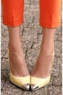 Light-yellow-metal-tip-zara-heels-light-pink-pink-yellow-zara-shirt