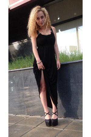 black cotton maxi unknown brand dress - black leather unknown brand wedges