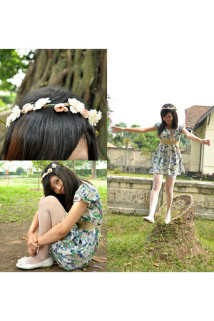 floral dress unknown dress - white unknown tights - white Charles & Keith flats