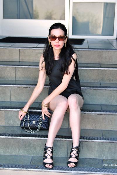 camel Juicy Couture shorts - black Chanel bag - black DV by dolce vita sandals