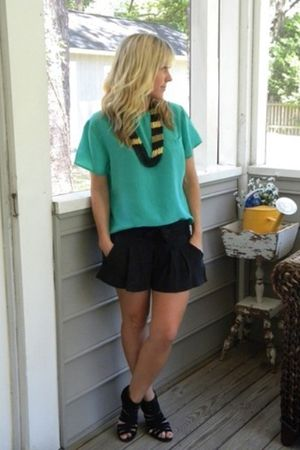 860 shorts - Bamboo shoes - vintage top - H&M necklace