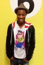 graphic joyrich t-shirt - slim fit Zara jeans - fedora Target hat