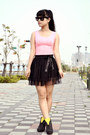 Hot-pink-top-yellow-heels-black-skirt