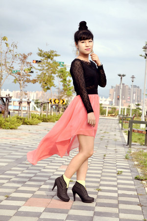 salmon mullet skirt - black lace top top