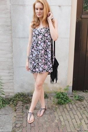 floral H&M dress - black fringe suede brandy melville bag