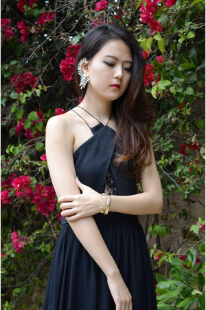 Q2HAN dress - ear cuff shoplately accessories