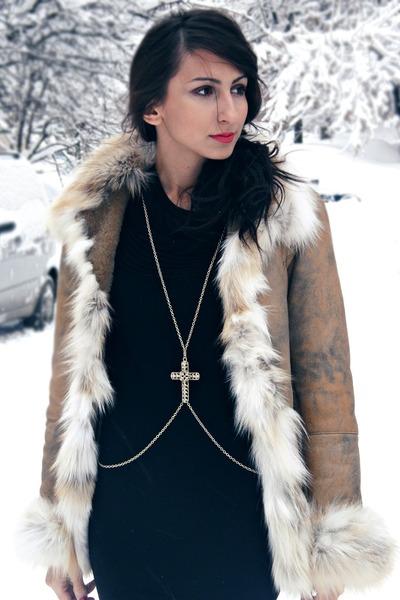 black cashmere random dress - gold chain harness New Yorker necklace