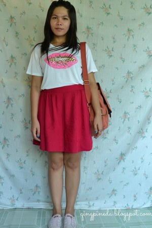 red Converse sneakers - white shirt - bronze bag - hot pink skirt