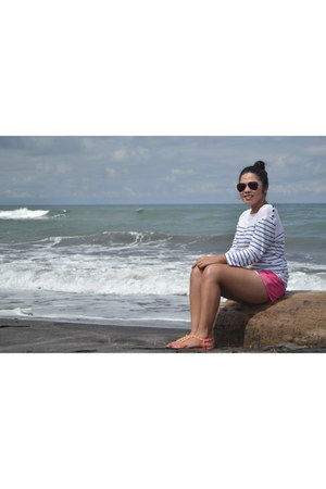 hot pink shorts - black sunglasses - orange sandals