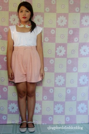 light pink floral collar necklace - light pink high waisted shorts - nude flats