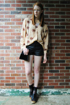 peach evil eye thrifted shirt - black leather Topshop shorts - black clog wedges