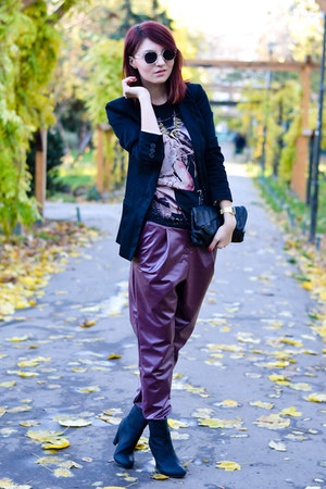 Vero Moda blazer - H&M sunglasses