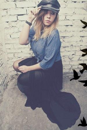 black Secondhand hat - sky blue Secondhand shirt - black Zara skirt