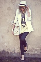 off white Secondhand jacket - black H&M leggings - beige Bershka bag