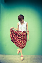 brick red vintage skirt - ruby red Mendrez wedges - mustard Mendrez wedges