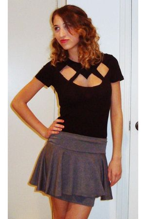 black DIY shirt - gray Urban Outfitters skirt