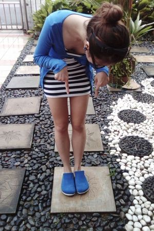 blue cotton on cardigan - blue dress - blue Barco shoes - black diva accessories
