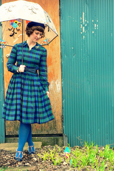 turquoise blue plaid vintage dress - navy wool beret vintage hat