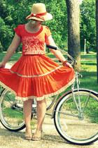 beige vintage hat - beige naturalizer wedges - carrot orange square dance vintag