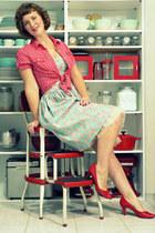 red linen Old Navy blouse - aquamarine Bernie Dexter dress