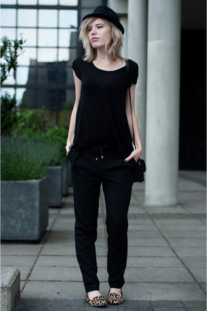 black H&M hat - black Shop Affaire bag - black WE fashion pants