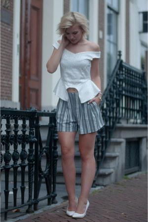 off white NLY Trend top - heather gray Zara shorts - white Mango wedges