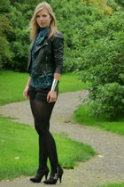 black leather biker Oasis jacket - black Scapino boots - black black H&M shorts