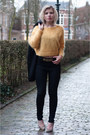 Black-weekday-jeans-mustard-h-m-trend-sweater-mustard-manfield-pumps