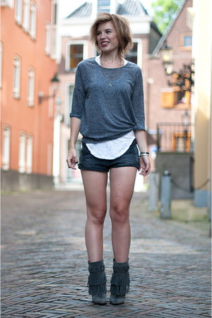 charcoal gray WE fashion t-shirt - charcoal gray costes boots