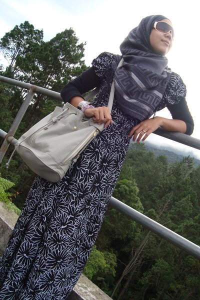 NeonReiko bag - NeonReiko dress - Forever 21 sunglasses - Pashmina scarf
