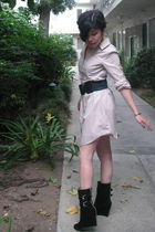 beige H&M dress - black Michael Kors boots - blue belt