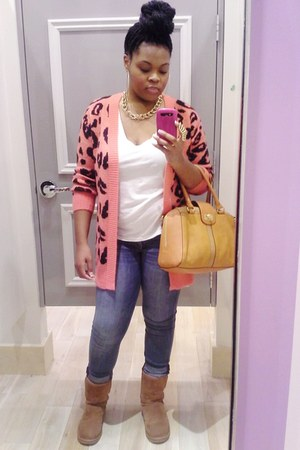 salmon Forever21 cardigan - camel Ugg boots