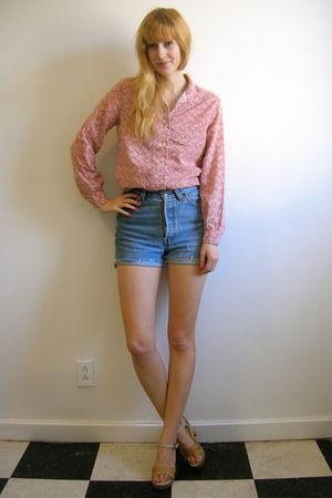 pink vintage blouse - blue vintage shorts - beige vintage shorts