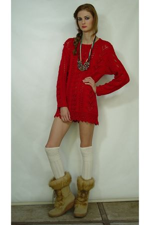 red Chaus dress - beige Brilliant shoes