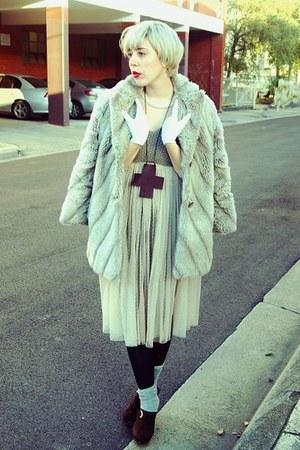 beige faux fur thrifted vintage coat - heather gray grey rubi socks