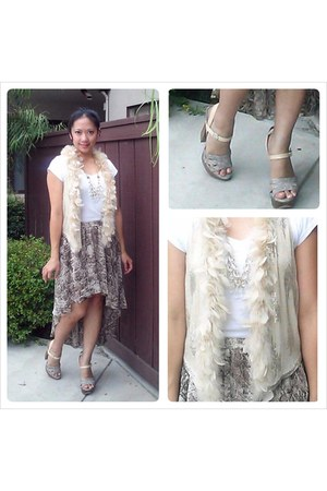 white vince t-shirt - eggshell beaded feather haute hippie vest