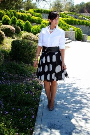 white Jones New York blouse - black Kenar skirt