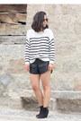 Topshop-boots-mango-sweater-oysho-shorts