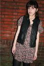 Black-zara-vest-pink-vintage-dress