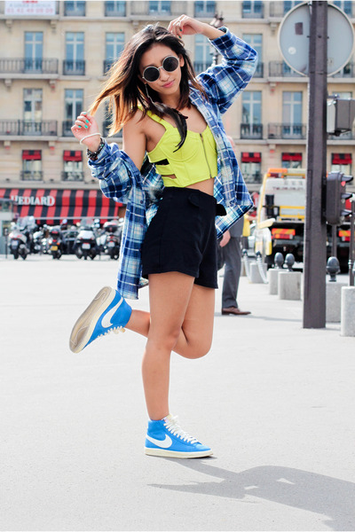 MORGAN shorts - nike sneakers - nastygal bra